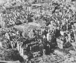 Warsaw destroyed 1945